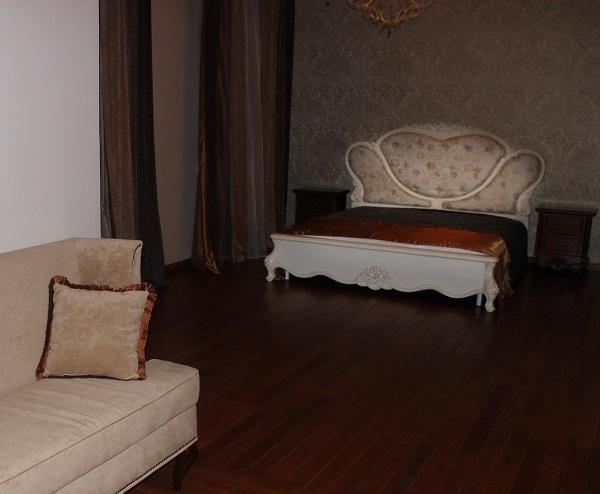 Комната для гостей  на втором этаже  дома  Yamontovo Villa