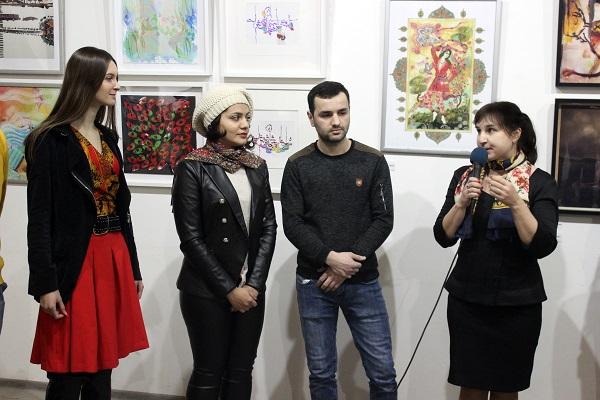 Елена Садыкова  на открытии выставки