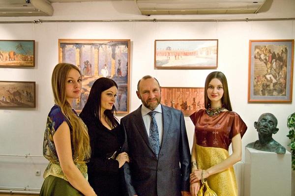 RYABICHEVS CREATIVE STUDIO    ALEXANDER RYABICHEV DANIELA RYABICHEVA  ALEXANDRA ZAGRYAZHSRAYA    SOFIA ZAGRYAZHSRAYA