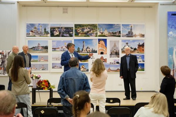 Открытие  юбилейной выставки  Виктора Орловского  в ЦДА 8 сентября 2020 г.