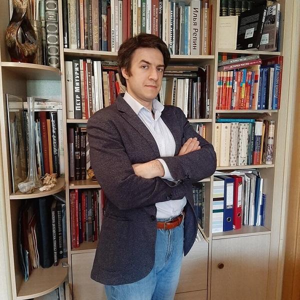 Автор курса лекций в Институте Сервантеса в Москве -- историк Георгий Филатов, научный сотрудник Центра испанских и португальских исследований Института всеобщей истории РАН